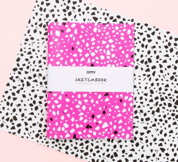 SKETCHBOOKS GRAPHIC PINK